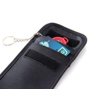 schwarze rfid-blockende Tasche mit Oxford-Stoff mit Kreditkarte und Schlüsselanhänger innen