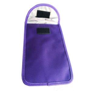 blaue rfid-schutztasche mit oxford-stoff vorderansicht