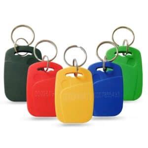verschiedene ABS RFID Schlüsselanhänger in den Farben schwarz, rot, gelb, blau und grün mit eingelaserter Nummerierung
