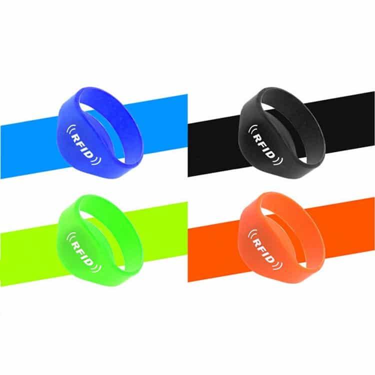 Silikon RFID-Armbänder in den Farben blau, schwarz, grün und rot