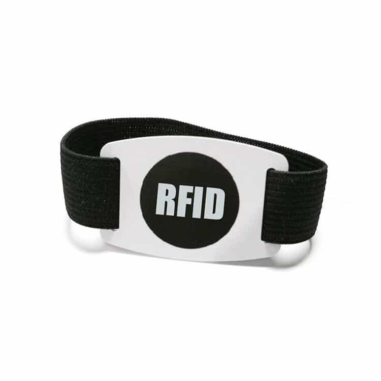 Frontansicht des elastischen RFID-Armbandes in schwarz