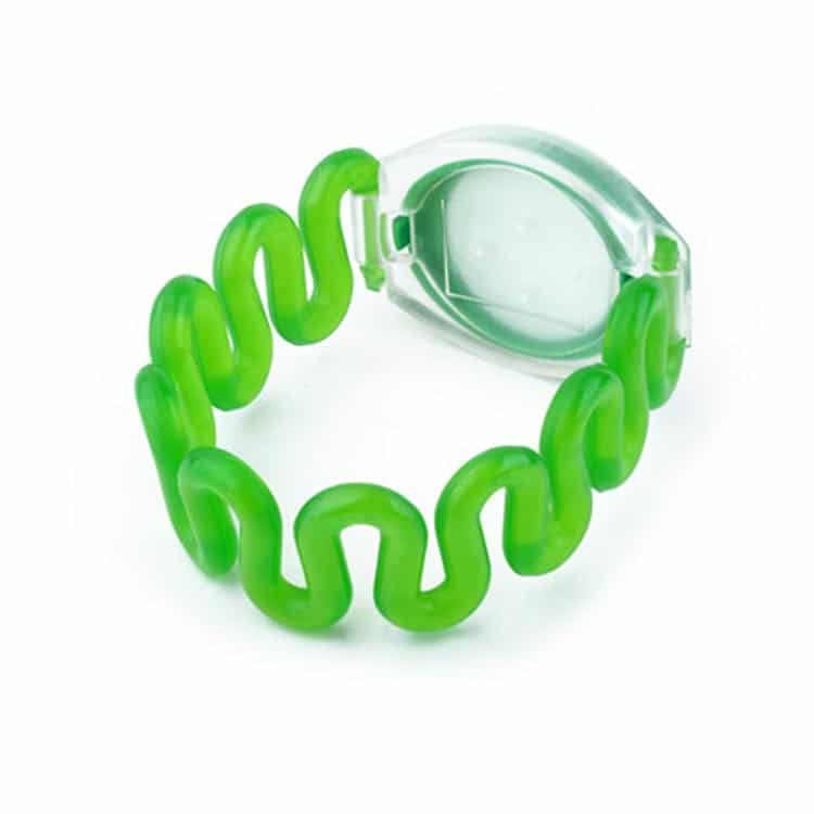Rückansicht des grünen RFID-Armbandes mit flexiblem Kunststoffband