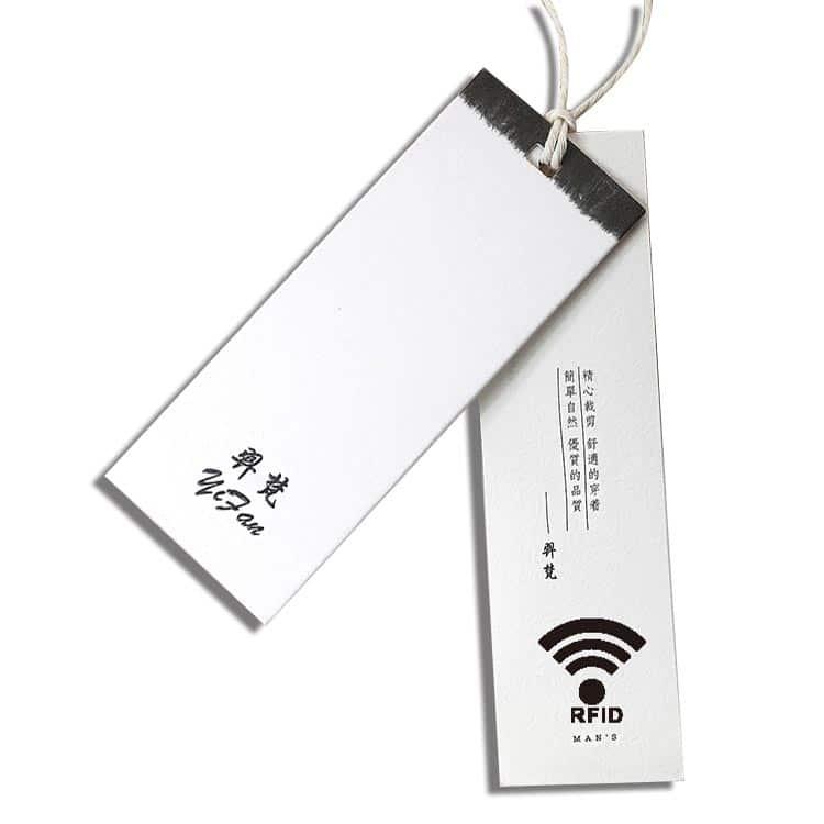 weisse rfid-etikette mit individuellem Druck und integriertem Chip