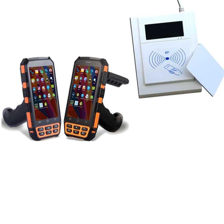 Handhelds und stationärer Kartenleser nebeneinander