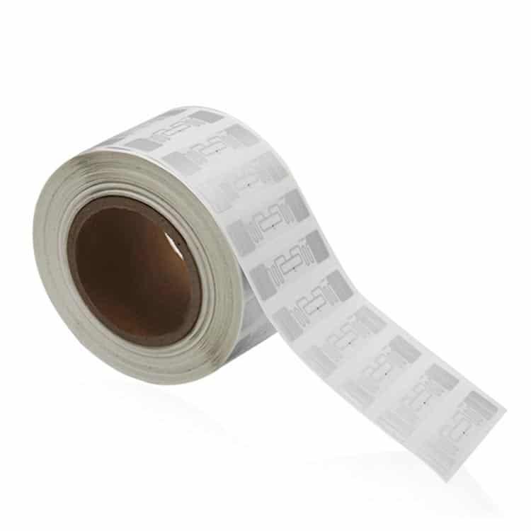 UHF RFID Smart Labels oder Etiketten auf einer Rolle