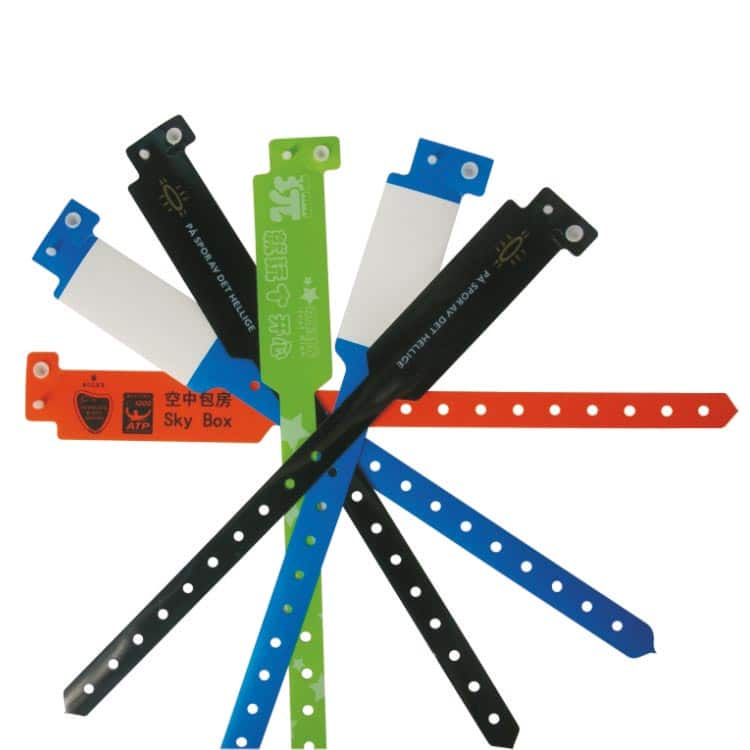 mehrere Einweg-RFID-Armbänder mit kundenspezifischem Designdruck